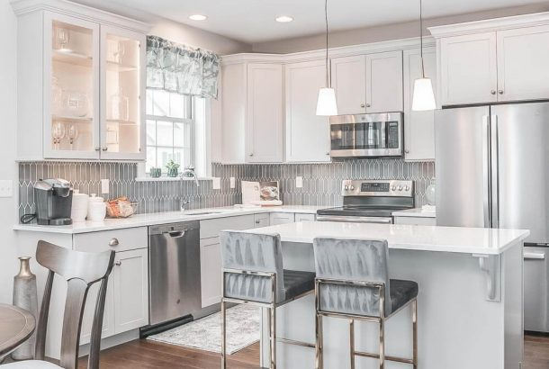 Semi-custom kitchen cabinet